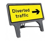 Diverted Traffic Right Q Sign