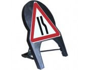 Road Narrows Offside Q Sign 600mm